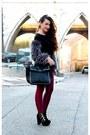 Gold-boohoo-boots-black-forever-21-bag-black-faux-fur-nasty-gal-jumper