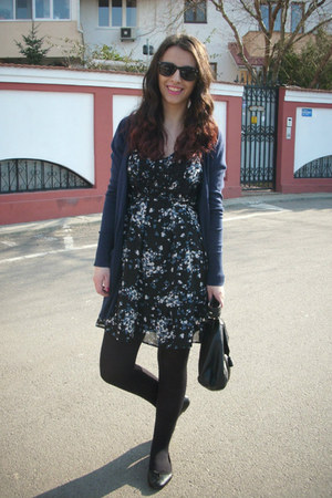 black floral print H&M dress