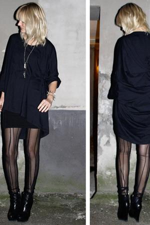 black Carin Wester leggings - black Camilla Skovgaard boots - black complex geom