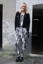 black gestuz - black Camilla Skovgaard boots - vintage necklace - whyred jacket