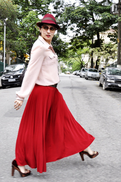 red gallerys bom retiro skirts brick red pralana hats light pink