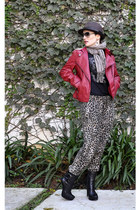 black Via Uno boots - crimson Mizu hat - ruby red leather jacket miroa jacket -