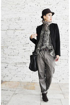 dark brown Mizu hat - black carmim blazer - tan Zara scarf - light brown la fore