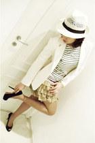 ivory Bauarte hat - ivory Gregory blazer - black Talita Kume t-shirt - ivory Tal