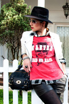 black Lunas boots - black Pralana hat - white M&Y jacket - black ErreErre shorts