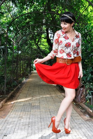 red Zara skirt - peach floral print Vintage store shirt - brick red c&amp;a purse