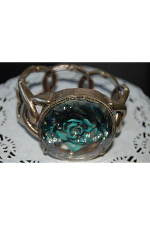 metal Africancharm bracelet