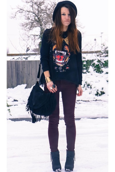 Romwecom sweatshirt - nowistylejp bag - nowistylejp pants