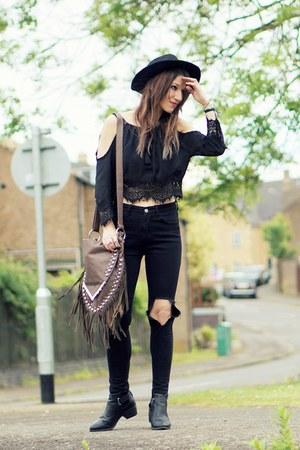 black jeans - black crochet lace ZNU blouse
