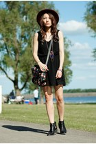 black chiffon ZNUCOM dress