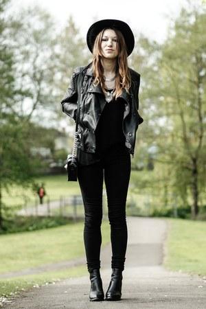 black biker StyleMoi jacket - silver Happiness Boutique necklace