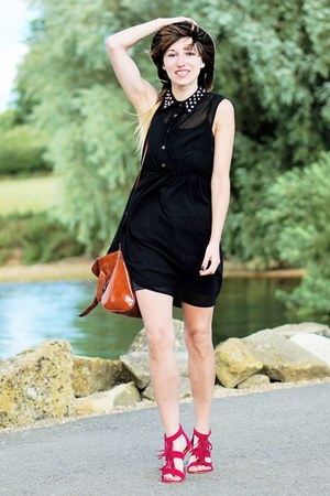 black dress - sandals
