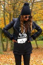 Primark hat - Romwecom jacket - Secondhand t-shirt
