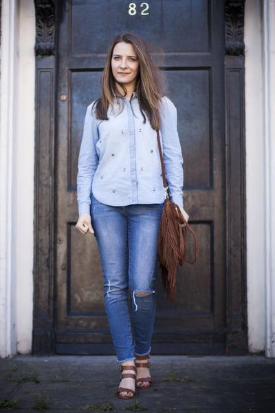 blue River Island jeans - blue H&M shirt - brown Zara heels