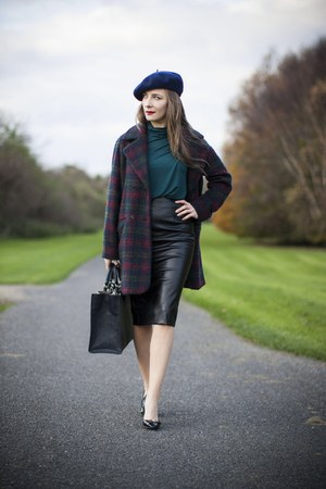 magenta coat - black Guess shoes - navy beret hat - navy Zara bag