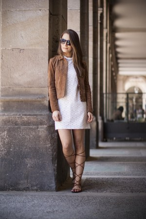 ivory lace Zara dress - brown suede jacket - brown gladiators Mango sandals
