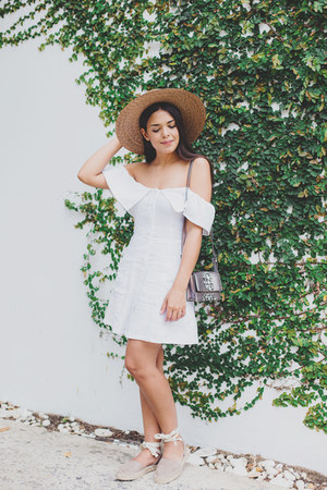 white off shoulder Forever 21 dress - brown straw Forever 21 hat