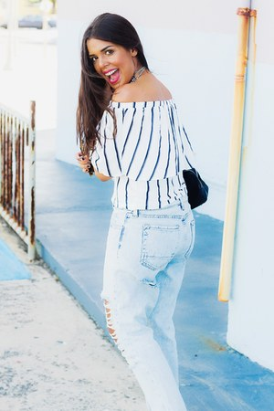 light blue Kendall & Kylie Collection jeans - white off shoulder Zara top