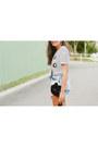 Black-kitty-asos-bag-blue-denim-bullhead-shorts-black-graphic-tee-zara-top