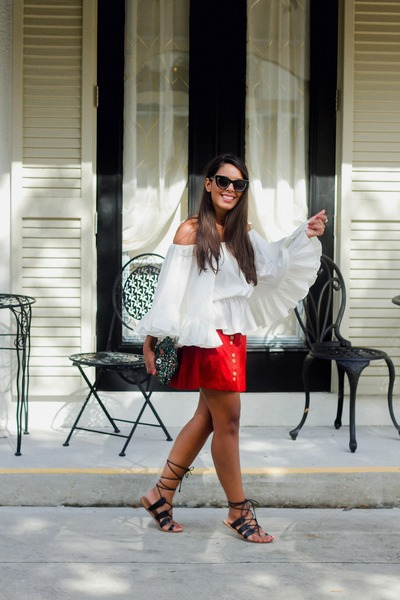 White-boohoo-top-brick-red-zara-skirt-black-gladiator-forever-21-flats