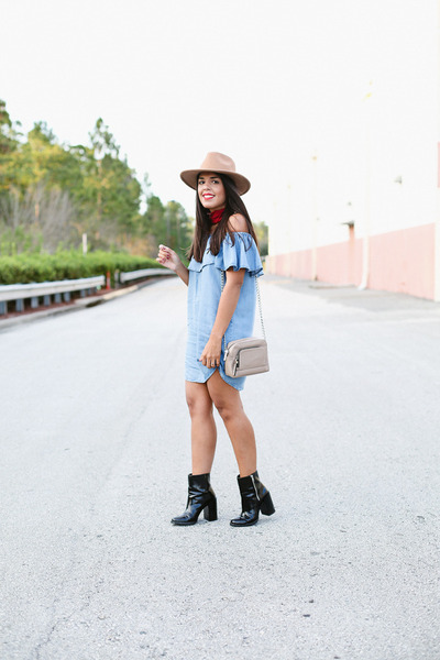 Black-patent-leather-forever-21-boots-light-blue-forever-21-dress