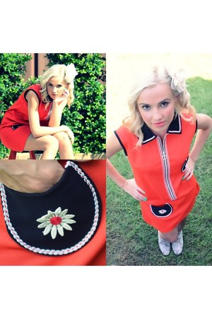 orange mod Ahka Vintage dress