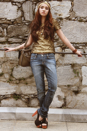 gold sequined H&M top - loose Shio jeans - gold headpiece DIY accessories
