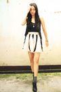Black-vest-black-intimate-gray-socks-beige-forever-21-skirt-black-figlia