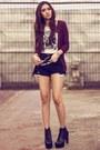 Black-shredded-kate-katy-shorts-maroon-knitted-banana-republic-cardigan