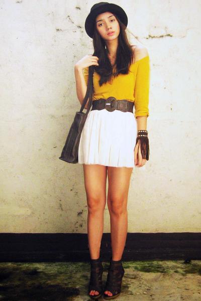 mustard three-fourths thrifted shirt - dark brown heels figliarina shoes