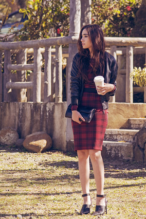 crimson midi tartan OMG Fashion dress