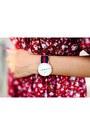 Red-daniel-wellington-watch
