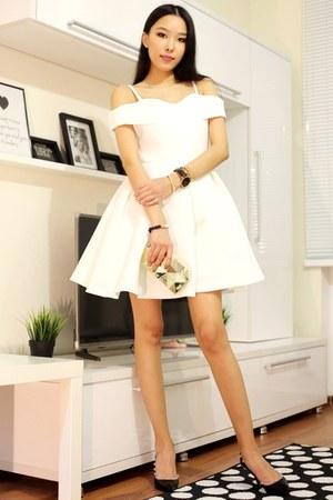 gold The Peach Box bracelet - white Chicwish dress - black The Peach Box watch