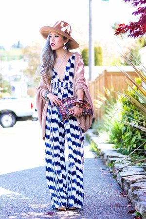 blue Forever 21 jumper - camel asos hat - navy free people sunglasses
