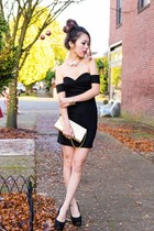 gold gifted bag - black Tobi dress - gold pearl chocker Express necklace