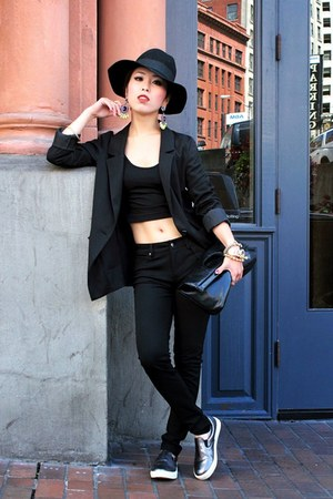 black wide brim free people hat - black oversized H&M blazer