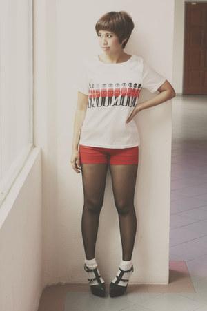 ruby red stretchy cotton Lush Serendipity shorts - ivory Daiso socks