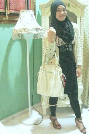 River Island bag - Vincci shoes - vintage blouse - Primark cardigan - Forever 21