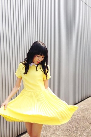yellow cotton pleated aforarcade dress