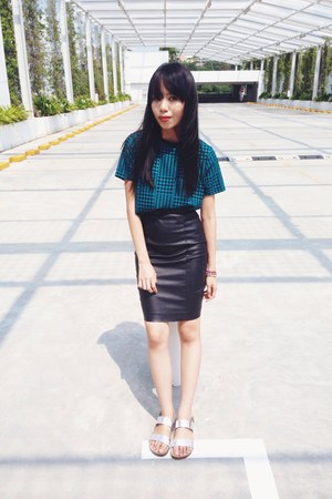 black Topshop skirt - teal Topshop blouse - silver sandals