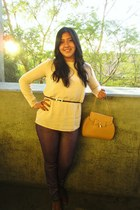 Camel purse - J Brand jeans - vintage blouse - vintage belt