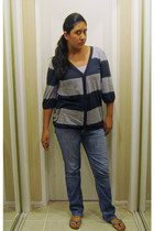 Dereck&Heart cardigan - boutique jeans - Local store sandals