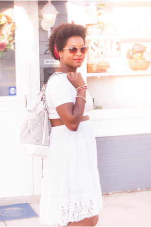 white JustFab bag - white vintage skirt - red TOMS flats - white Halftee top
