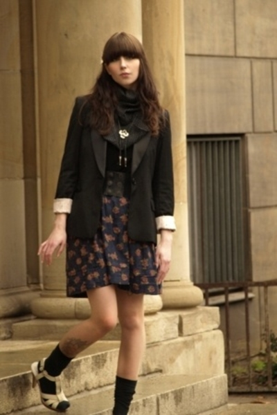 vintage selfmade skirt - H&amp;M blazer - vintage selfmade scarf - H&amp;M shoes