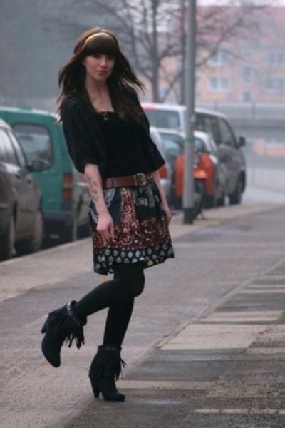 H&M jacket - second hand dress - second hand belt - H&M leggings - Primark shoes