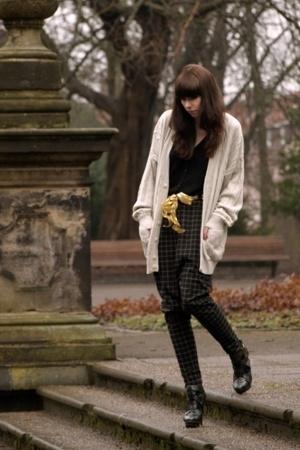 black black cardigan H&M sweater - black Topshop Boutique shoes