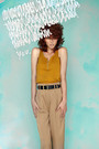 Black-monki-belt-yellow-monki-shirt-beige-monki-pants