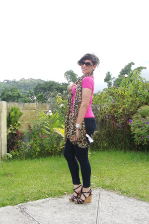 Forever 21 jeans - Bershka scarf - Zara top - Nine West wedges