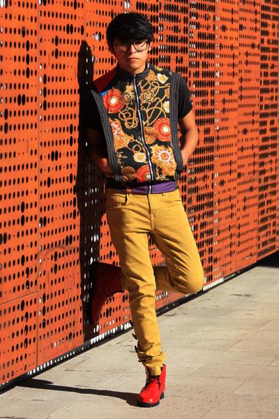 palo-alto boots - Zara pants - 12-NA vest - gold necklace pull&bear necklace