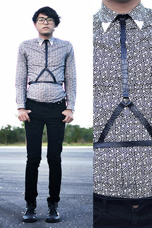harness Blessed saturday belt - studded palo alto boots - geometric H&M shirt